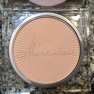 Mirenesse Absolutely Radiant Wet/Dry Superpowder